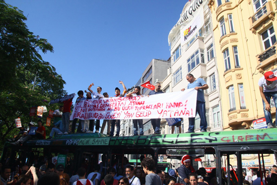 Antigovernment protests in Taksim Square, Gezi Park, Instanbul, Turkey, June 2013, Occupy Gezi