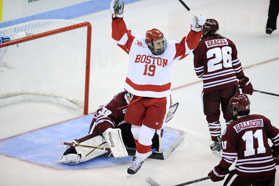 Robbie Baillargeon, Boston University, BU Terriers, men's ice hockey, red hot hockey, New York City, Madison Square Garden, terriers, BU Athletics, Hockey East