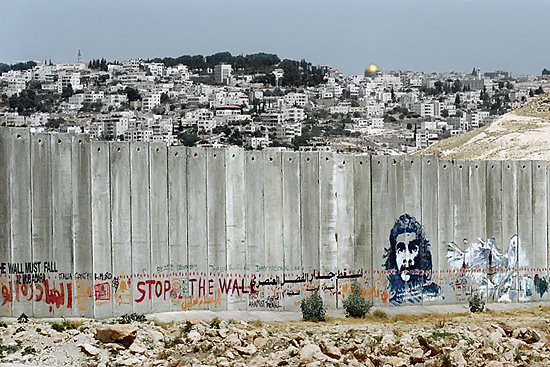 a discussion on the apartheid wall between palestine and israel Israel's separation barrier protesting the construction of a security fence between israel and palestinian territories is back in israel's apartheid wall.