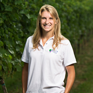 paige seibert, knob hall winery, summer internships