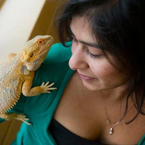 Natasha Khatri with bearded dragon