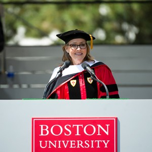 Meredith Vieira delivering the commencement address at Boston University 2015