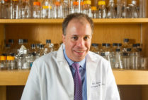 Cancer Researcher Avrum Spira, a professor of medicine, pathology, and laboratory medicine at Boston University School of Medicine