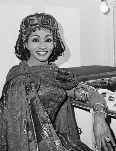 Bumbry in her dressing room at the Royal Opera House, Covent Garden, London