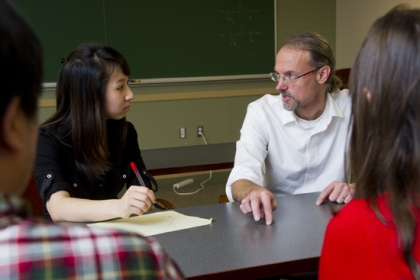 Grinstaff has an open-door policy. He mentors postdoctoral fellows and graduate students, like Stacy Chin (GRS'17) (left), in individual monthly sessions, and meets with his group every Friday for research presentations.