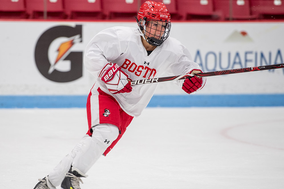 Victoria Bach (CGS'16, COM'18), the seventh overall pick in the 2017 NWHL Draft