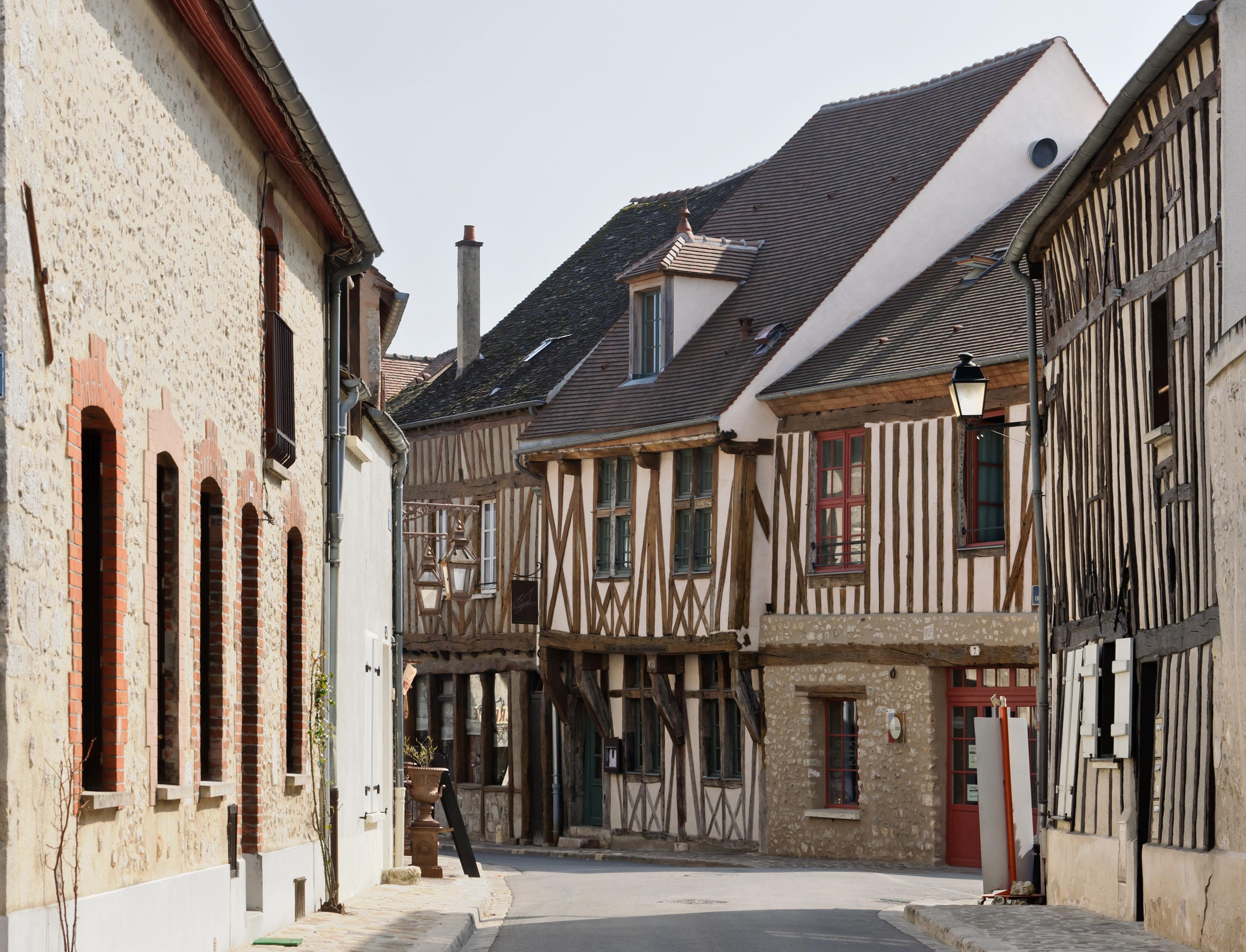 Provins study abroad paris boston university for Constructeur maison seine et marne